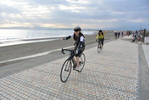 自転車の 藤沢駅 自転車 レンタル : 今回、天気が良すぎたみたいで ...